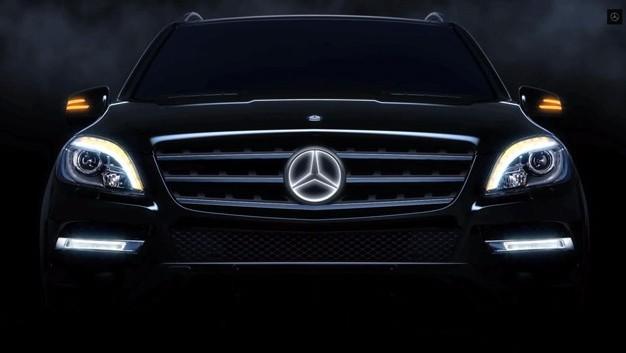 Mercedes: arriva il logo opzionale illuminato - HDmotori.it