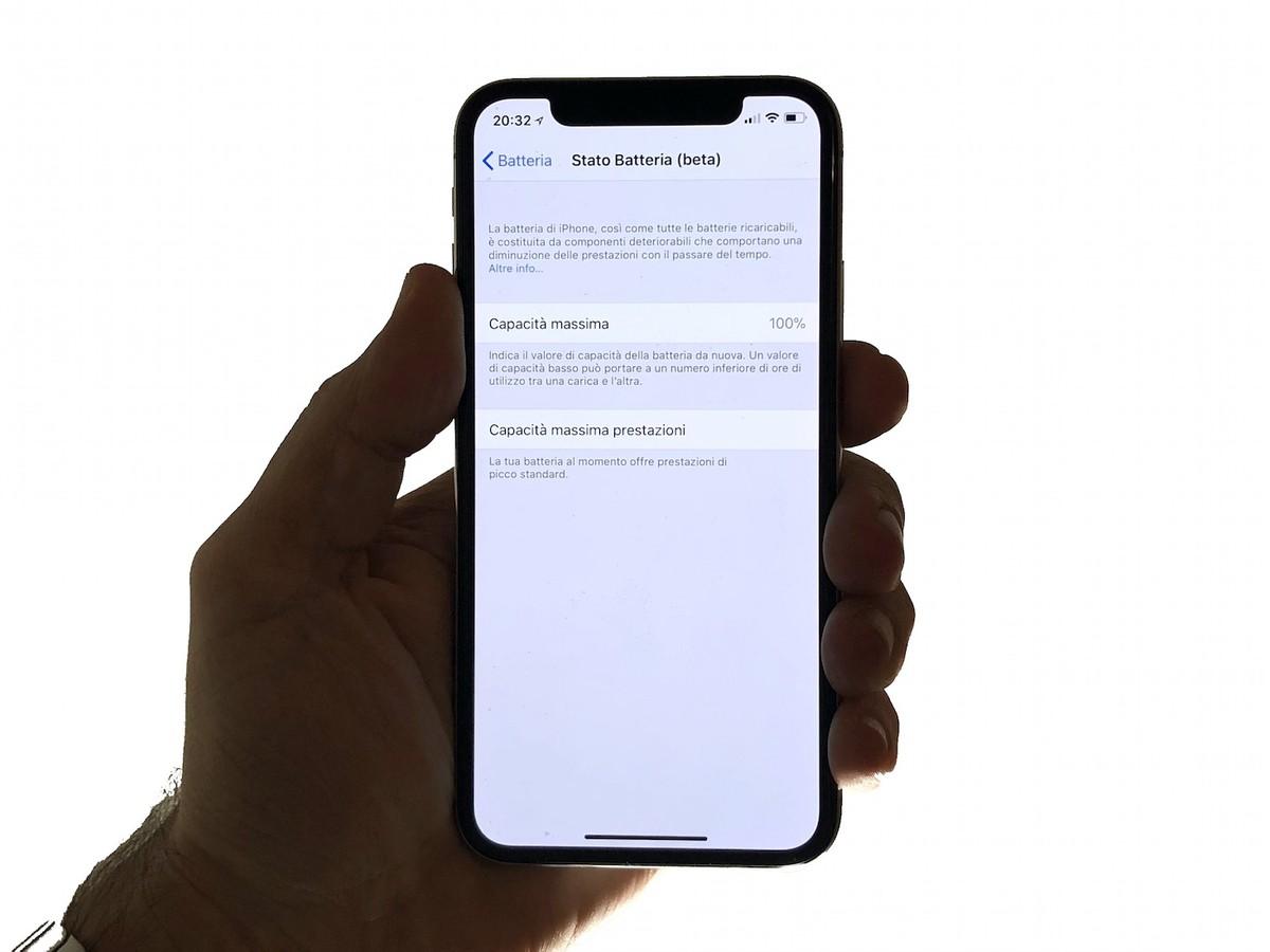 Apple rilascia la sua prima cover batteria per iPhone 6 e 6s