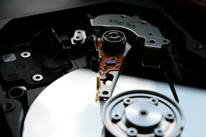 Hard disk meccanici, il grafene potrebbe decuplicarne la capacità - image  on https://www.zxbyte.com