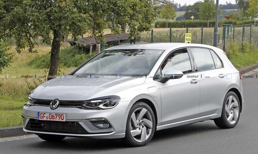 Volkswagen Golf 8 Gte Si Fara L Ibrida Plug In Confermata Dalle Foto Spia Hdmotori It