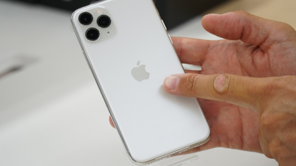 iPhone 11: cover Spigen disponibili per tutti i modelli - HDblog.it