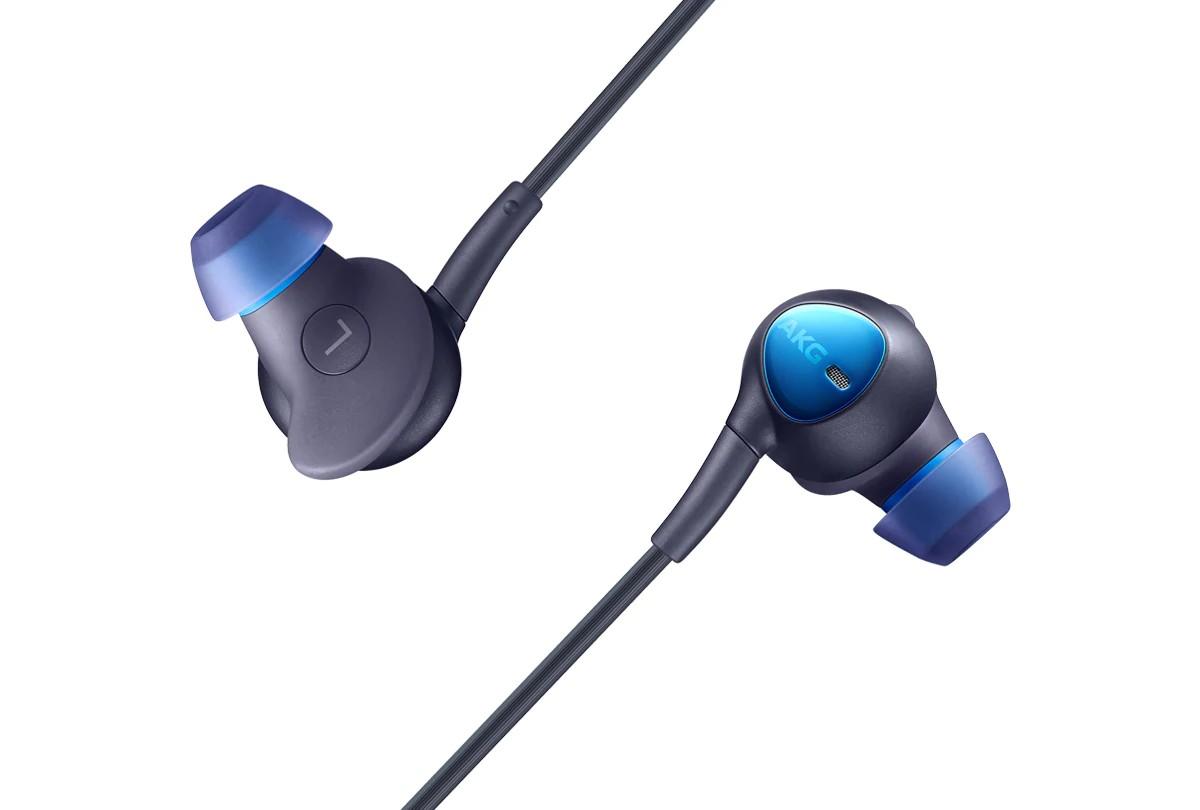 Samsung: auricolari AKG con cancellazione del rumore e Type