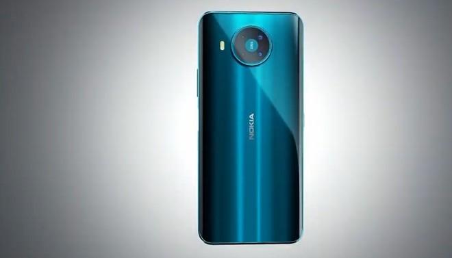 Nokia 8.3 5g in colorazione blu