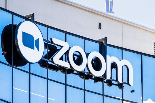 Zoom lascia a desiderare lato privacy (iOS) | La risposta di Facebook - image  on https://www.zxbyte.com