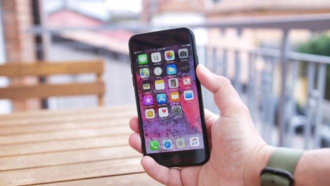 iPhone SE 2020, il test di DXoMark: fotocamera nella media, meglio per i selfie - image  on https://www.zxbyte.com