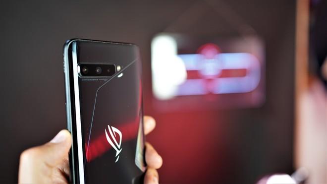 ASUS ROG Phone 3 si aggiorna: è il momento di Android 11 stabile - image  on https://www.zxbyte.com