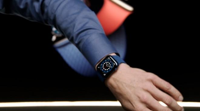 Apple Watch Series 6 ed SE ufficiali: tanti modelli per tutte le tasche   Prezzi Italia - image  on https://www.zxbyte.com