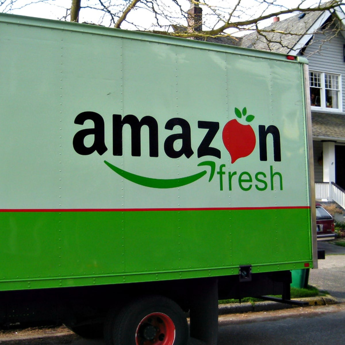 Amazon Fresh arriva in Italia, si parte da Milano. Spesa online, consegna in giornata