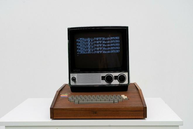 Su eBay c'è un Apple I da 1,5 mln di dollari: lo hanno assemblato Steve Jobs e Wozniak - image  on https://www.zxbyte.com