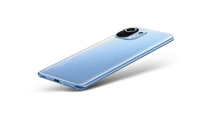 Xiaomi Mi 11 5G arriva in Italia, prezzi da 800 euro. Anche Mi TV 75