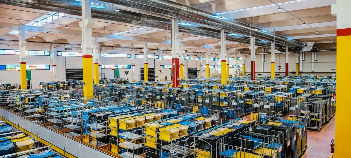Amazon apre tre centri di distribuzione  …
