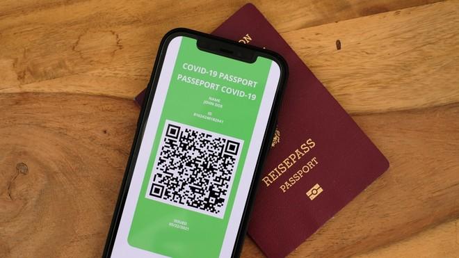 Green Pass COVID-19, Mario Draghi ha firmato il DPCM. Si parte dall'1 luglio - image  on https://www.zxbyte.com
