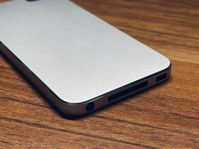 iPod Touch di 5° gen: un prototipo svela il design inedito di un modello mai realizzato - image  on https://www.zxbyte.com