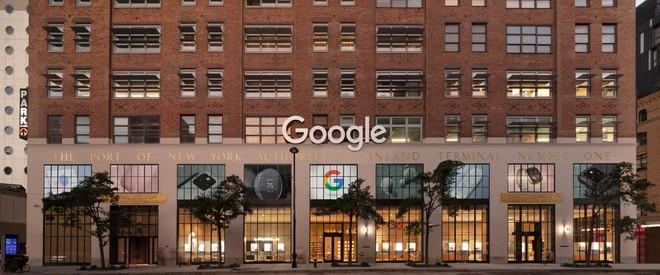 Google, diamo uno sguardo al primo store fisico aperto oggi a New York - image  on https://www.zxbyte.com